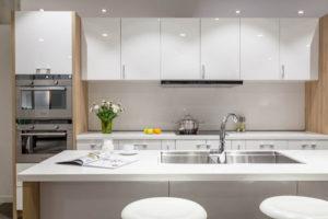 Thi công bếp với nội thất bằng chất liệu Acrylic cao cấp
