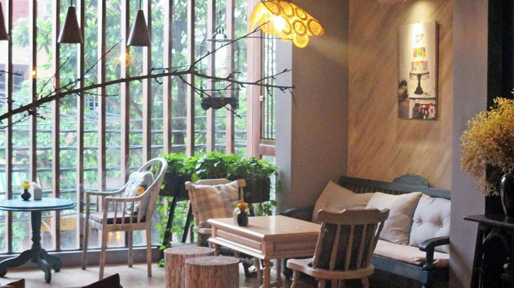 Quán cafe ngày Tết được thiết kế nội thất như thế nào để thu hút khách hàng?