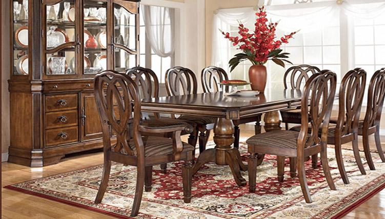 Thiết kế nội thất nhà bếp – bàn ăn gỗ theo phong cách Hoàng Gia